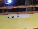 Oprava stropu místního pohostinství